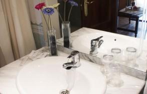 albenzaire-hotel-habitacion-doble-cuartodebano-1