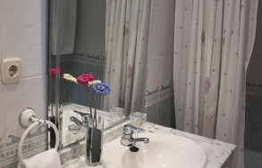 albenzaire-hotel-habitacion-doble-cuartodebano-2