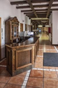albenzaire-hotel-recepcion-2