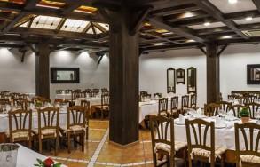 albenzaire-restaurante-asador-comedor-5
